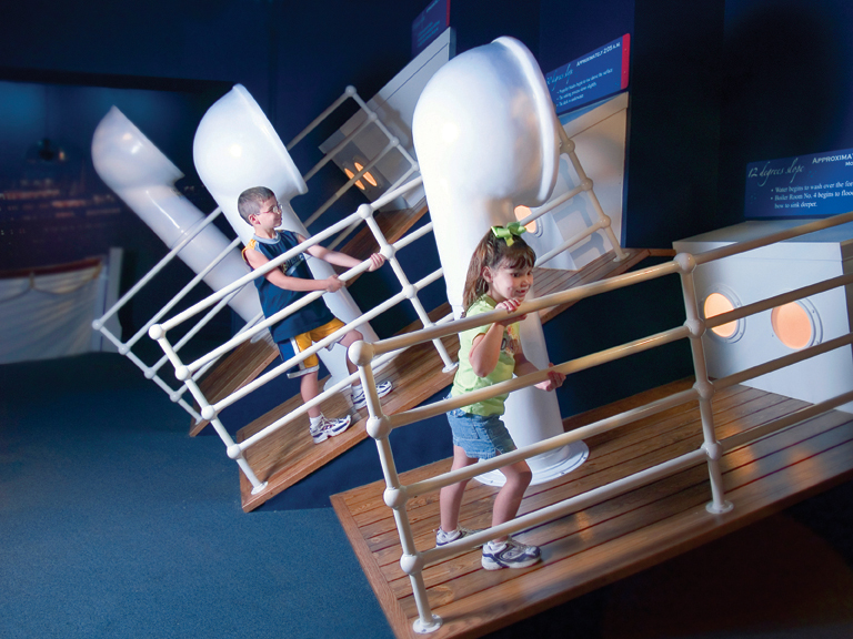 Titanic Deck Tilt