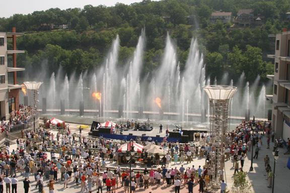 Branson Landing Daytime Fountain Show
