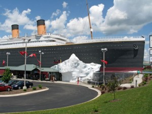 Setting Sail on the Titanic in Branson (review)